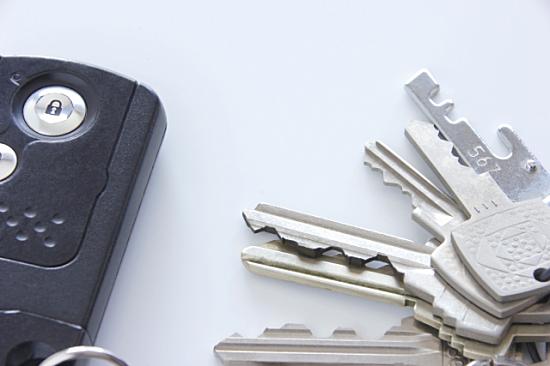 鍵のメーカーやタイプ、形状をチェック